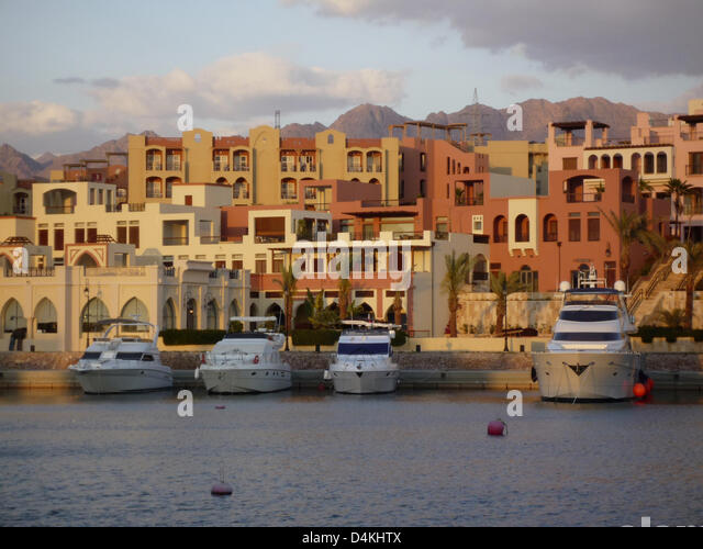 View on the waterfront Marina Plaza hotel in Aqaba, Jordan, 24 March 2009. Photo: Willy Matheisl - Stock Image