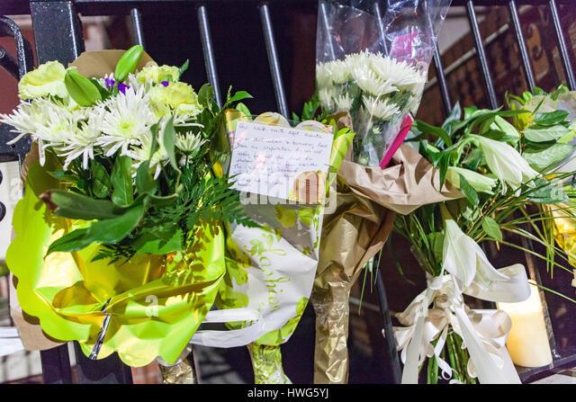 Belfast, UK. 21st Mar, 2017. Flowers were left at Sinn Fein Belfast office after the Death of Ex Deputy First Minister - Stock Image