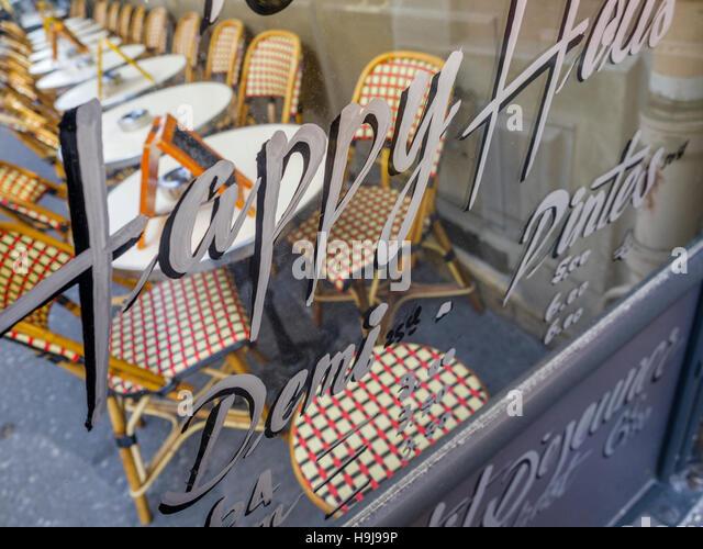 Bistro chair paris stock photos bistro chair paris stock - Cfa versailles cuisine ...