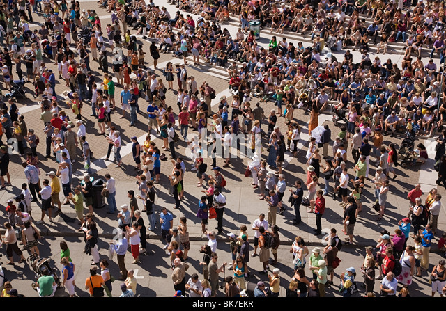 Crowds at montreal international jazz festival - Stock Image