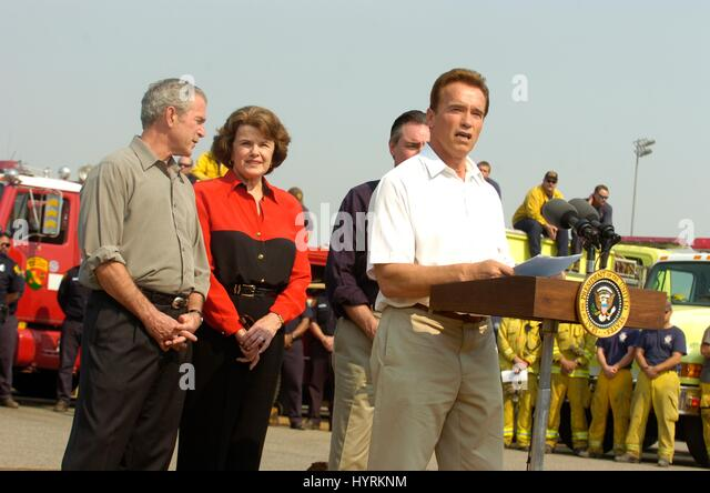 California Governor Arnold Schwarzenegger introduces U.S. President George W. Bush and California Senator Dianne - Stock Image