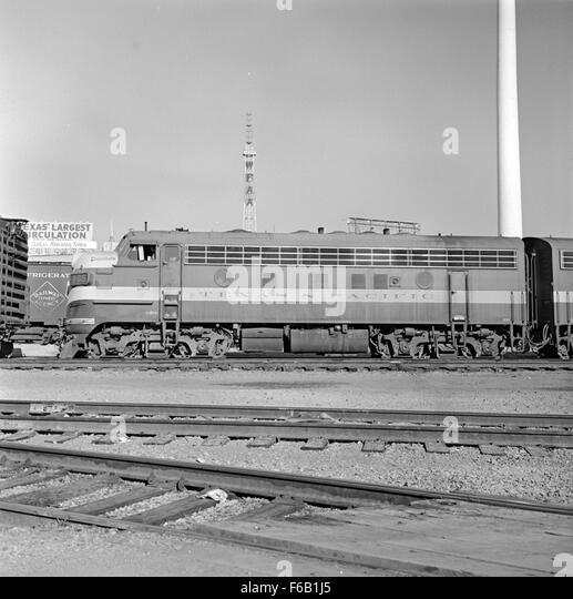 Freight Locomotive Stock Photos & Freight Locomotive Stock ...