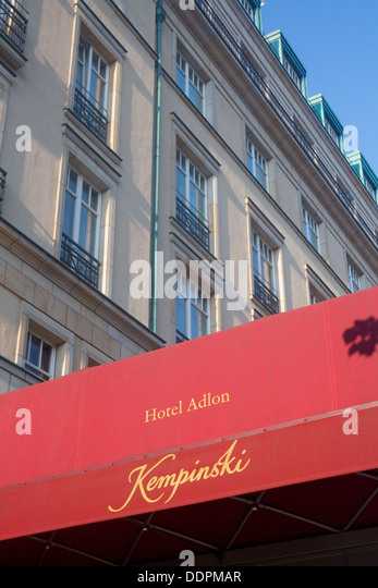 adlon hotel stock photos adlon hotel stock images alamy. Black Bedroom Furniture Sets. Home Design Ideas
