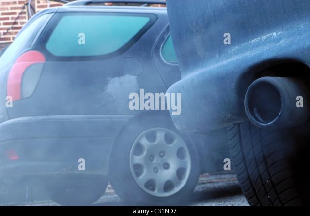 car exhaust cause air pollution