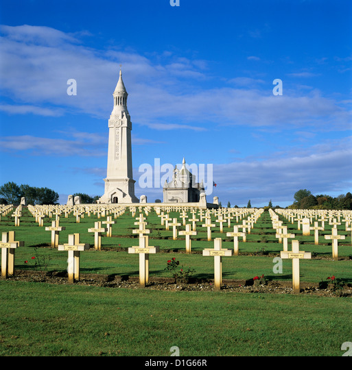 Notre Dame de Lorette WW1 French military cemetery and Ossuary, near Arras, Nord-Pas-de-Calais, France, Europe - Stock-Bilder
