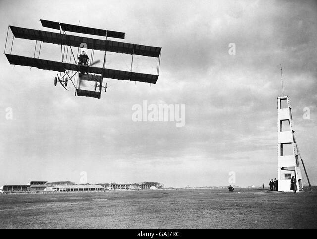 rc ww1 biplanes with Farman Aircraft on LaDtSEBbYV4 as well Watch furthermore 4breltimobir together with Nieuport 10 biplane  RC model additionally Drone plane madness with canon.
