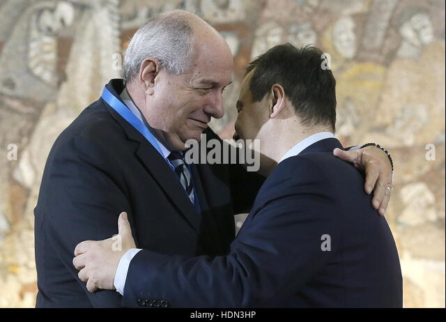 Belgrade, Serbia. 13th Dec, 2016. Greece's Deputy Foreign Minister Terens Nikolaos Quick (L) and Serbia's - Stock Image