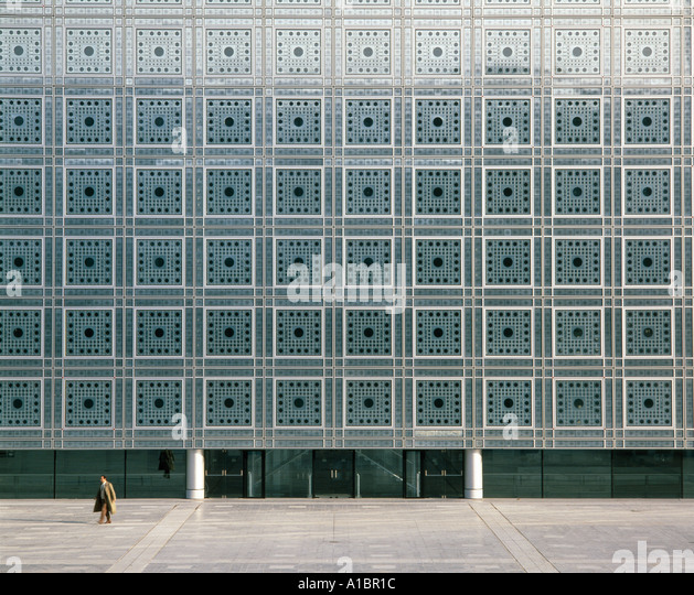 Institut du Monde Arabe, South facade, Paris, 1987. Photosensitive window screens. Architect: Jean Nouvel - Stock Image