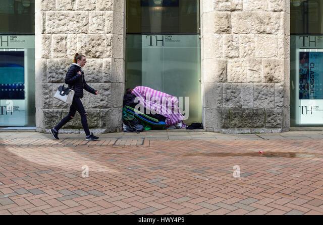 Homeless person sleeping rough in Birmingham city centre,UK. - Stock-Bilder