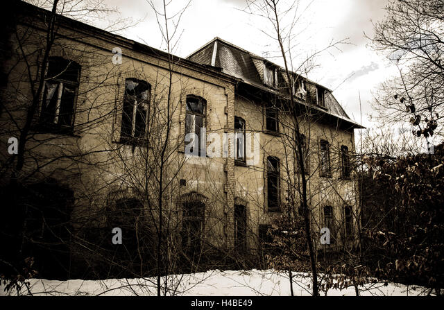 old decayed building - Stock Image