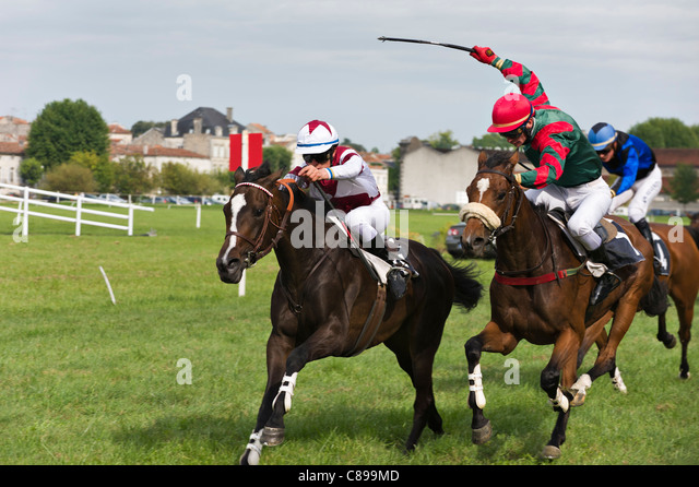 Horse racing at Jarnac, Charente, France - Stock Image