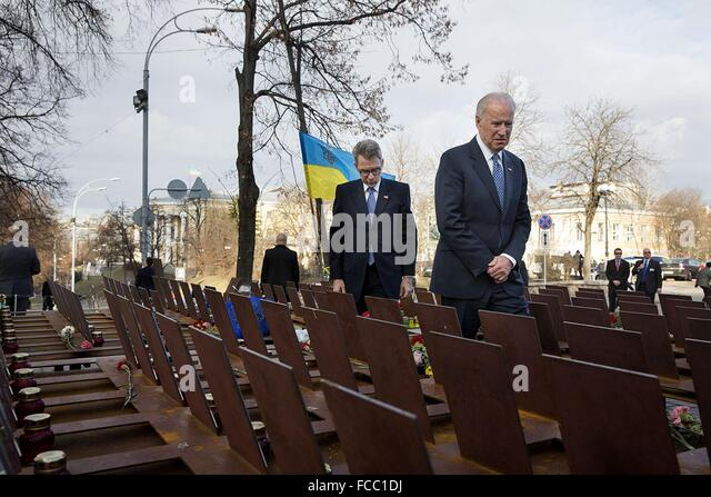 U.S Vice President Joe Biden and U.S. Ambassador Geoffrey Pyatt tour the Heavenly Hundred Memorial, an unofficial - Stock Image