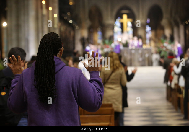 Catholic Mass, Notre Dame Cathedral, Paris, France, Europe - Stock Image