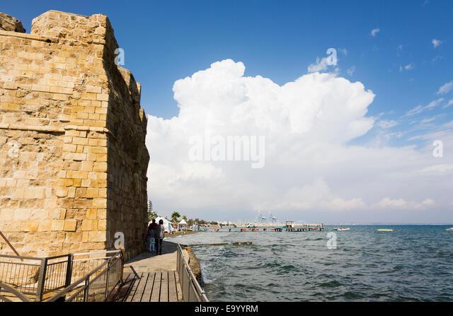 Larnaca Fort walls and Promenade beach. - Stock Image