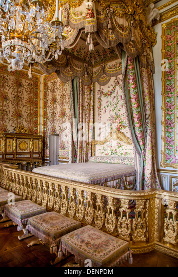 King louis xvi and queen marie antoinette stock photos for Chambre louis xvi versailles