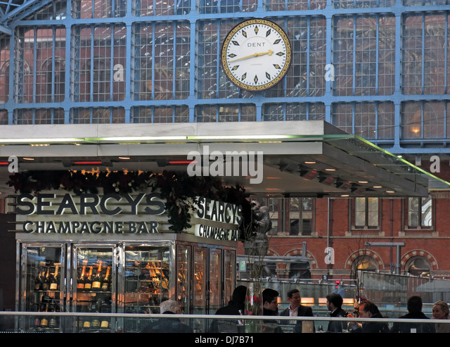 St Pancras Station interior Camden London England UK Searcys Champagne bar - Stock Image