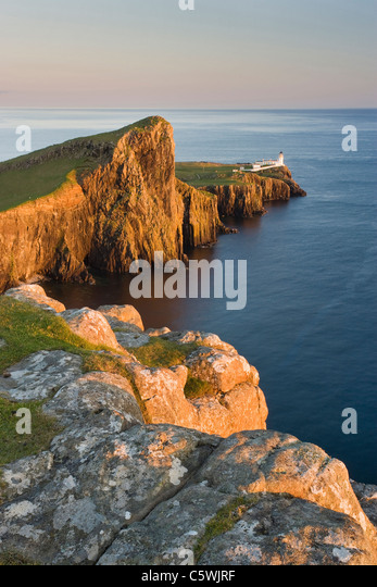 Neist Point and lighthouse in evening light, Isle of Skye, Scotland, Great Britain. - Stock-Bilder