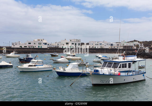 Orzola Port and harbour, Northern Lanzarote, Canary Islands - Stock-Bilder