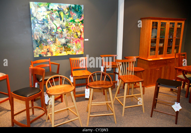 Maine Freeport Main Street Thomas Moser Cabinetmakers hand-crafted designer furniture chairs tables stools cabinet - Stock Image