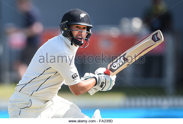Hamilton, New Zealand. 20th Dec, 2015. Ross Taylor on day 3 of the 2nd cricket test match between New Zealand Black - Stock-Bilder