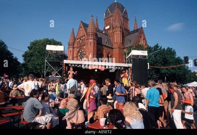 Berlin carnival of cultures Kreuzberg multi cultural event people outdoor stage | Karneval der Kulturen - Stock Image