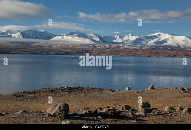 Snowy Mountain Peaks in Mongolia, Lake Khoton Bayan - Stock Image
