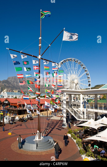 Flag pole and Wheel of Excellence at V&A Waterfront in Cape Town South Afdrica - Stock Image