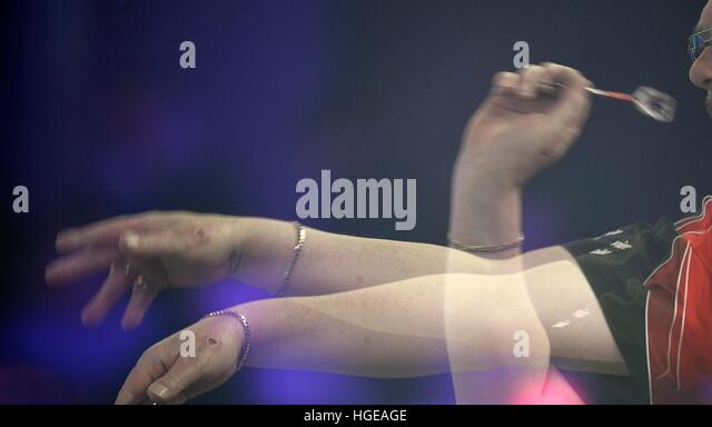 Camberley, Surrey, UK. 08th Jan, 2017. BDO Lakeside World Professional Darts Championships at The Lakeside Country - Stock Image