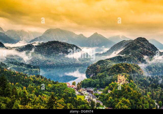 Misty day in the Bavarian Alps near Fussen, Germany. - Stock-Bilder