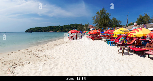 Mass Tourism on Serendipity Beach, Sihanoukville, Cambodia - Stock Image