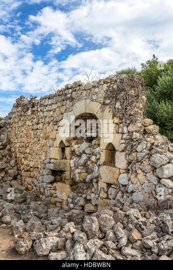 Old wall remains, Torralba d'en Salord, archaeological site, 2000 BC, Alaior, Menorca, Balearic Islands, Spain - Stock Image