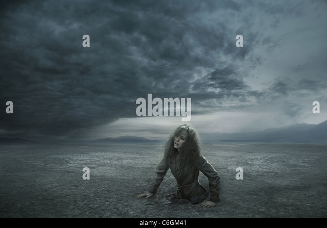 Lost woman in stormy day - Stock Image
