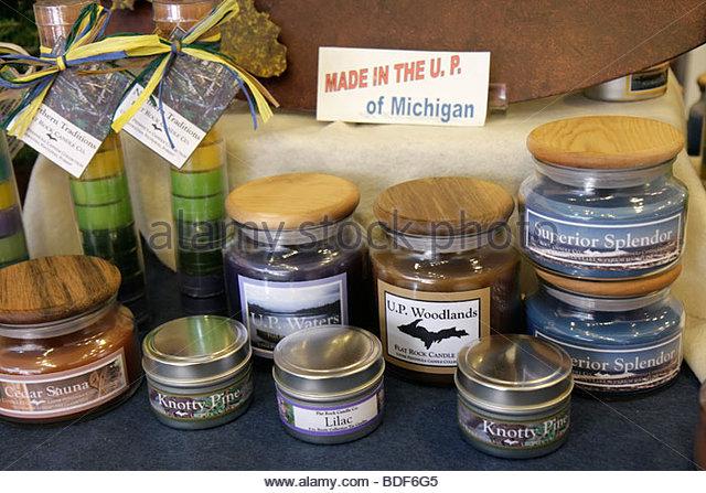 Michigan Upper Peninsula U.P. UP Lake Superior Marquette West Washington Street Michigan Fair shopping local products - Stock Image