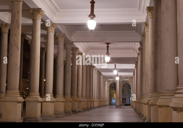 Night Karlovy Vary Colonnade, Czech Republic. - Stock-Bilder