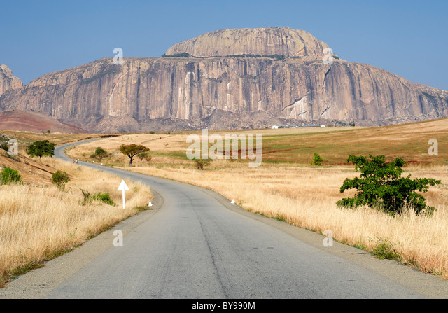 Fandana (the gateway to the south), a rock formation alongside the RN7 road in southwest Madagascar. - Stock Image