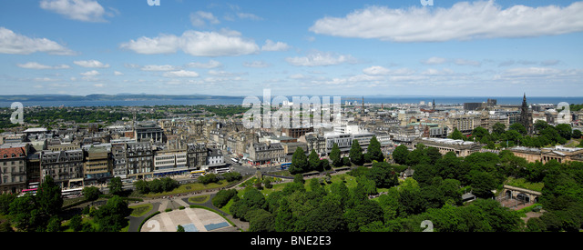 Panoramic view of Princes Street and New Town,  Edinburgh Castle, Edinburgh, Scotland. The Firth of Forth and Fife - Stock Image
