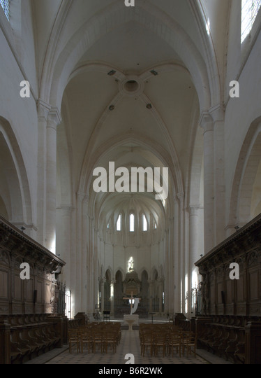 Pontigny,  Abteikirche, Hoher Chor - Stock-Bilder