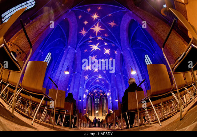 Hanover, Germany. 28th Nov, 2016. Christmas lights can be seen in the market church in Hanover, Germany, 28 November - Stock Image