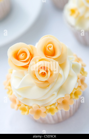 Wedding cupcake - Stock Image