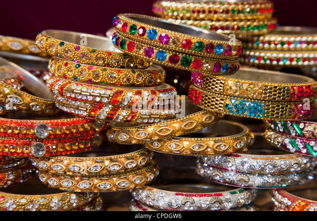 Colourful braclets for sale in a shop in Jaipur, Rajasthan, India, Asia - Stock Image