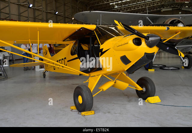 CubCrafters Carbon Cub SS hangared at Duxford Airfield - Stock-Bilder