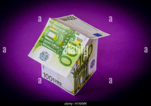 Conceptual image on the cost of real estate. - Stock Image