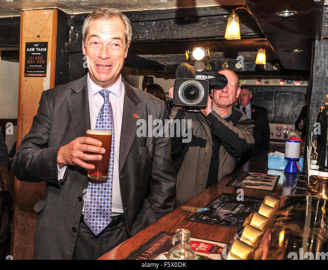 """Gloucester, UK. 09th Nov, 2015. Nigel Farage at the Fountain Public House, Gloucester before he attendsa """"Out - Stock Image"""