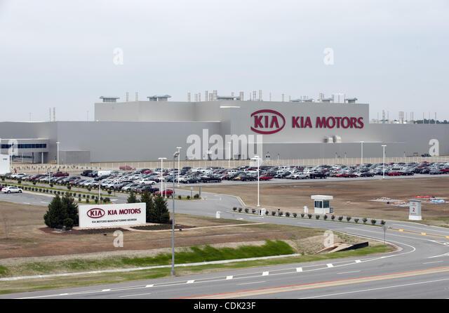 Kia sorento stock photos kia sorento stock images alamy for West motor company kingston