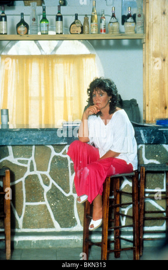 SHIRLEY VALENTINE (1989) PAULINE COLLINS SHV 036 - Stock Image