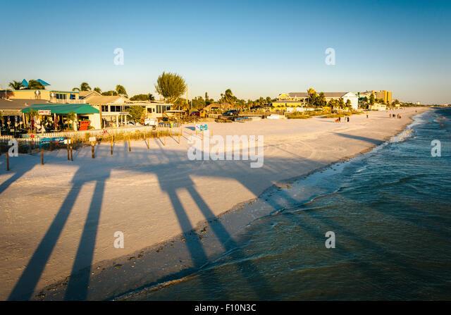 Florida fort myers beach stock photos florida fort myers for Fort myers beach fishing pier