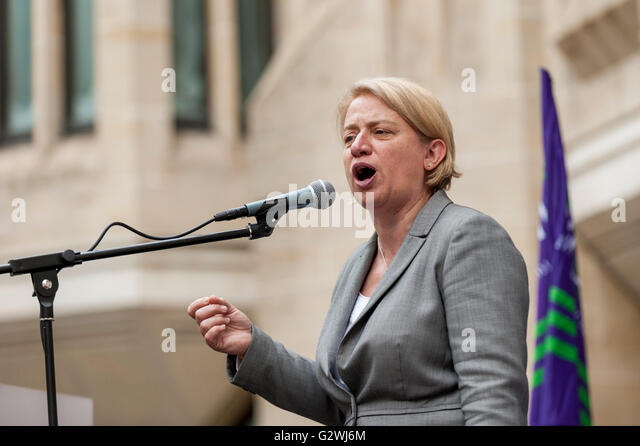 London, UK.  4 June 2016.  Ex Green Party leader, Natalie Bennett, speaks outside the Department of Health as NHS - Stock Image