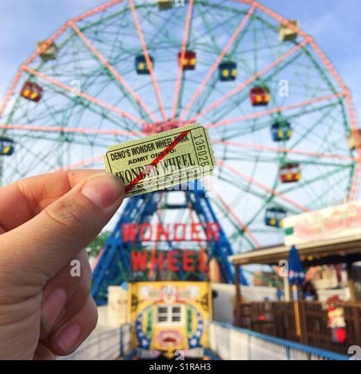 Deno's Wonder Wheel feris wheel, Coney Island, Brooklyn, New York, United States of America. - Stock Image