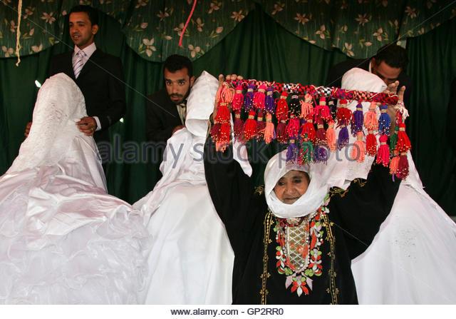 gila bend muslim Tabloid watch blogging about bad journalism saturday, 24 december 2011 back in 2012.