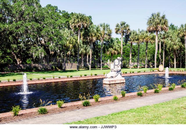 South Carolina SC Myrtle Beach Brookgreen Gardens sculpture garden wildlife preserve fountain - Stock Image
